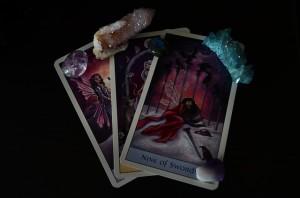 Lanzar un Libro de Tarot